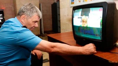 Что делать, если телевизор ведет себя странно?