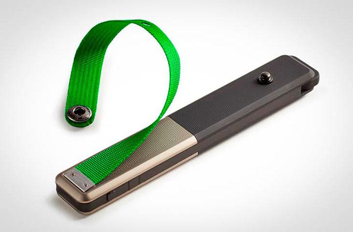 GoTenna - миниатюрное устройство, позволяющее переписываться со смартфона без сигнала мобильной связи